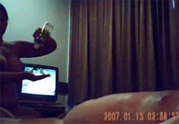 【出張マッサージ盗撮動画】グラマラス体型の女性がオイルを使って密着マッサージ