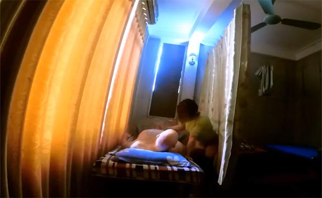 【タイマッサージ店盗撮動画】例のスキンヘッド外人による性的サービスの潜入調査の一部始終!