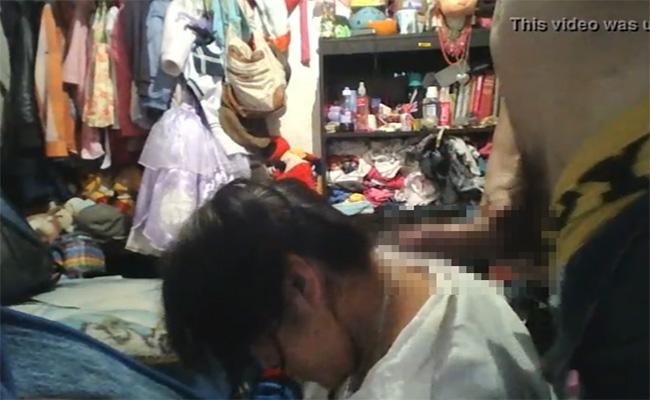 【個人撮影】彼女の頭をちんちんで叩いてみたら…振り向きざまに躊躇い無くフェラしてくれた