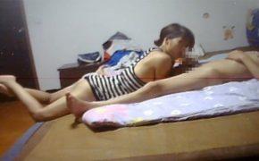 【素人カップル盗撮動画】Webcamハッキングで流出した若いカップルの日常的な性行為