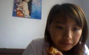 【Webcamハッキング動画】若い女の子が数日間のオナニーを隠し撮りされてしまう!