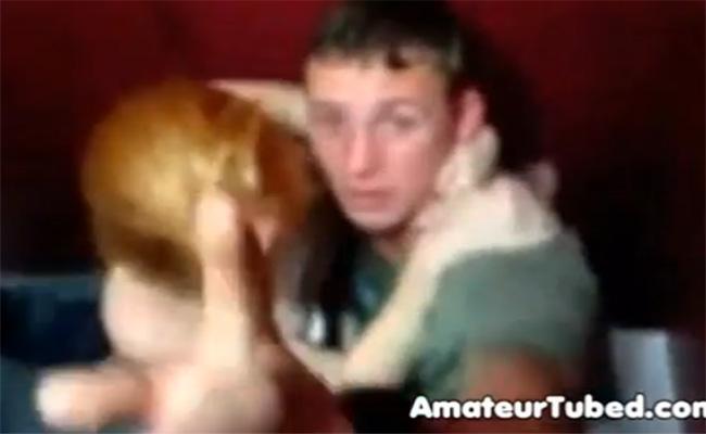【クラブトイレ盗撮動画】クラブのトイレで3Pしてた男女、撮られて晒される