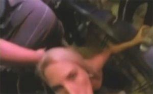 【露出狂】ライブ会場内でステージ観戦しつつ彼女にフェラチオさせる男