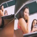 【露出狂動画】車内より路上を歩く女性に下半身を露出する古典的な変態