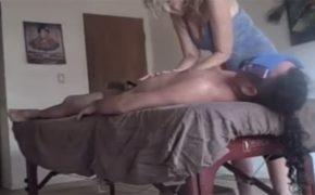 【マッサージ店盗撮動画】腹部のオイルマッサージを受け、ムクムクと反応してしまう男性客