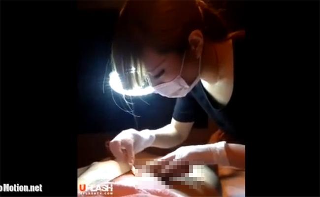 【盗撮動画】日本の脱毛サロンでブラジリアンワックスの施術を受ける男性がうっかり射精をしてしまう!