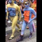 【スマホ撮影】全裸ボディペインティングで街中を歩く集団