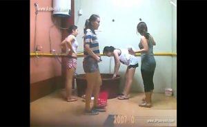 【風呂盗撮動画】友達同士で仲良く身体を洗う中国人女性達