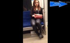 【電車内盗撮動画】酔ってるのか病んでるのか・・・突然発狂して隣の乗客に殴りかかる若い女性