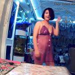 【中国素人動画】ライブチャットか?不思議なインテリアの空間で踊る女の子