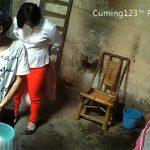 【中国裏風俗盗撮動画】「トイレは無いからオシッコは洗面器に」そんな劣悪な環境で行われるインスタントな性行為