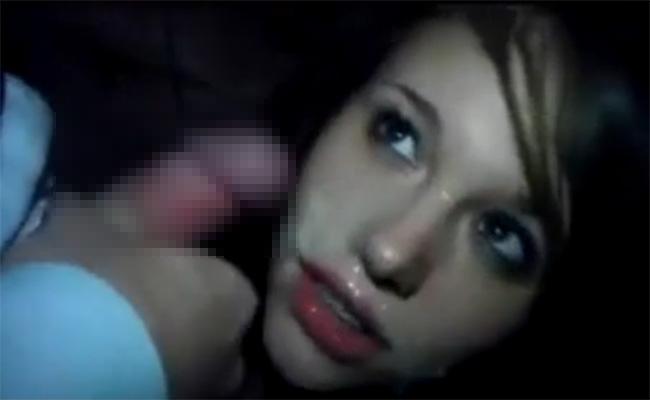 【個人撮影】クラブで男友達にフェラチオして顔射される女の子