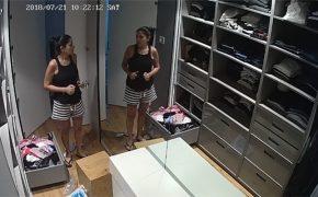 【民家盗撮動画】まるでアパレルショップのバックヤード・・・な衣装部屋に海外の住宅事情が羨ましくなる映像
