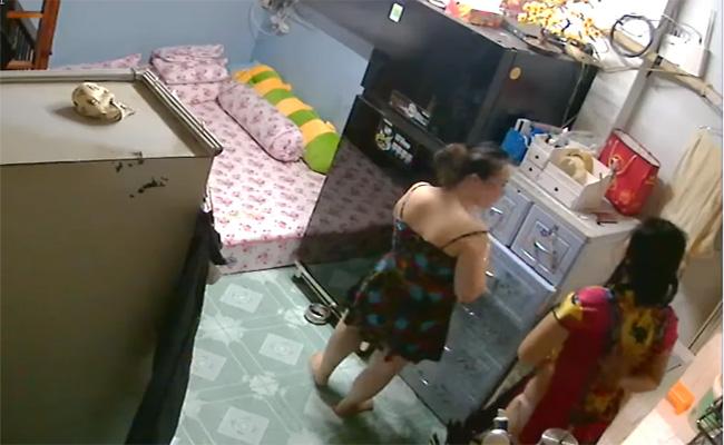 【中国民家盗撮動画】若い女の子達の風呂上り・・・途中登場した男性は弟か?