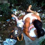 【裏風俗盗撮動画】山林の中で身体を売る風俗嬢と男性客の味気ない営みの様子