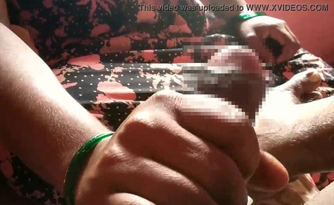 【マッサージ動画】手の皺と未処理の手の産毛からかなりの年齢を感じさせる熟女の手コキ