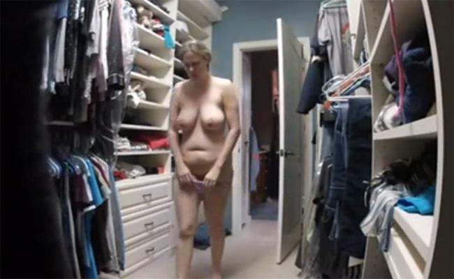 【民家盗撮動画】旦那が隠し撮りした巨乳妻の着替え