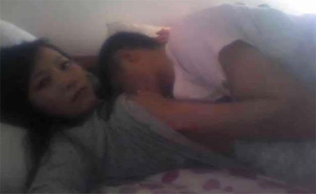 【民家盗撮動画】じゃれあいからはじまる若いカップルの日常的なセックスの様子
