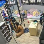 【民家盗撮動画】「今日はどのお洋服にしようかしら?」クロゼットの前で全裸で悩む若い女の子