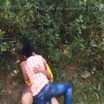 【カップル盗撮動画】インドではカップルはそこらの茂みでセックスすのが当たり前なのかもしれない