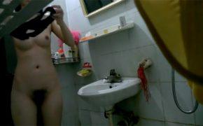 【民家風呂盗撮動画】濃い目のマン毛に感じるエロティシズム