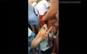 【夏フェス盗撮動画】公衆の面前で彼女にチンポ舐めさせる彼氏