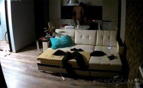【民家盗撮動画】家の中の色んな場所でセックスするカップル