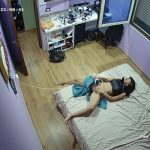 【民家盗撮動画】自宅でレーザー脱毛機で陰毛を処理する女性