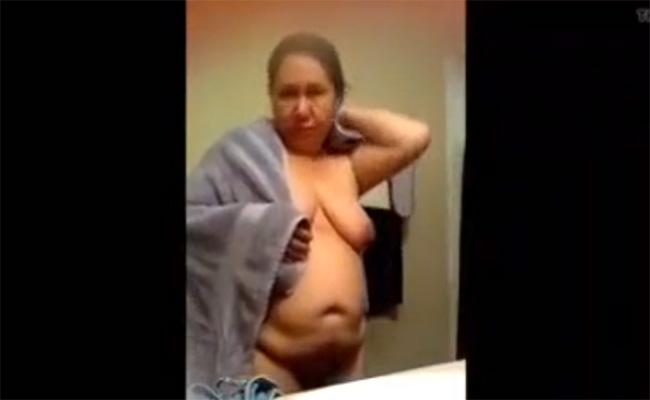 【民家盗撮動画】ぽっちゃり熟女がお風呂に入る様子を洗面台から隠し撮り
