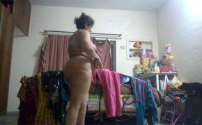 【インド民家盗撮動画】ぽっちゃりを優に通り越した体型の熟女