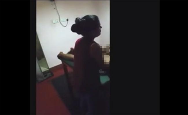 【マッサージ店盗撮動画】インド人女性と思われるマッサージ嬢によるSPサービス