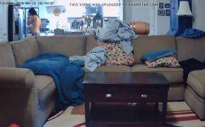 【民家盗撮動画】パンツ一丁でキッチンをうろつく風呂上りっぽい女の子
