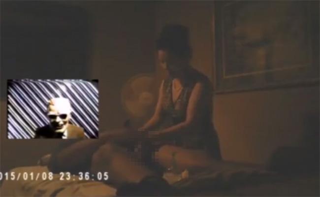 【ベトナムマッサージ店盗撮動画】薄暗い部屋にて手コキでイカされるまでの様子