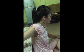 【個人撮影】ノーパソで動画を見ながら適当に手コキをするメガネ女子