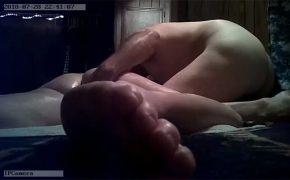 【マッサージ盗撮動画】全裸の男性にマッサージされる全裸の女性