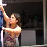 【民家盗撮動画】ベランダで洗濯物を干す若い奥さんの部屋着姿がとてもエロティック