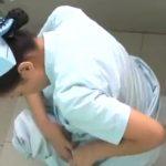 【病院トイレ盗撮動画】ナースがオシッコをジョロジョロと垂れ流す様子