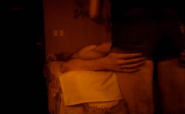 【中国マッサージ盗撮動画】頭のマッサージして貰ってる時はつい太もも触っちゃうタイプの男性客