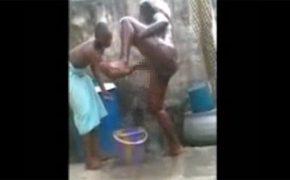 【海外の日常】彼女のマンコを洗ってあげる彼氏、とそれを撮影する友達