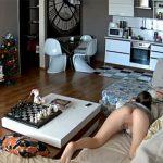 【民家盗撮動画】リビングのソファーでオナニーする女の子