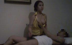 【マッサージ盗撮動画】あくびしながら手コキしたりとイヤイヤ感を表に出しすぎなベトナムのマッサージ嬢