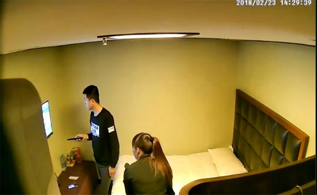 【ホテル盗撮動画】とあるカップルの性行為をモニタリング出来る動画