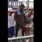 【野外イベント動画】ヒザまである黒人男性の超巨根に大はしゃぎする白人女性