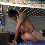 【民家盗撮動画】二段ベッドの下の段でセックスしてるカップル