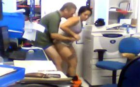 【社内盗撮動画】職場内恋愛を禁止する会社が危惧しているのが多分コレ・・・