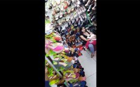 【アパレルショップ盗撮動画】靴の試着ついでに授乳する若い人妻