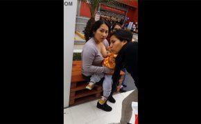 【街中盗撮動画】街中で堂々と授乳していた女性を盗撮してたら睨まれる