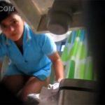 【民家盗撮動画】覗かれたのに気づいた瞬間の女性の表情をご覧下さい