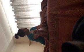 【タイマッサージ盗撮動画】お団子頭の肉感的な女性による手コキ
