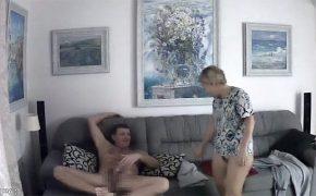 【家庭内盗撮動画】隠しカメラをセットし妻もしくは彼女とのセックスを隠し撮りする男